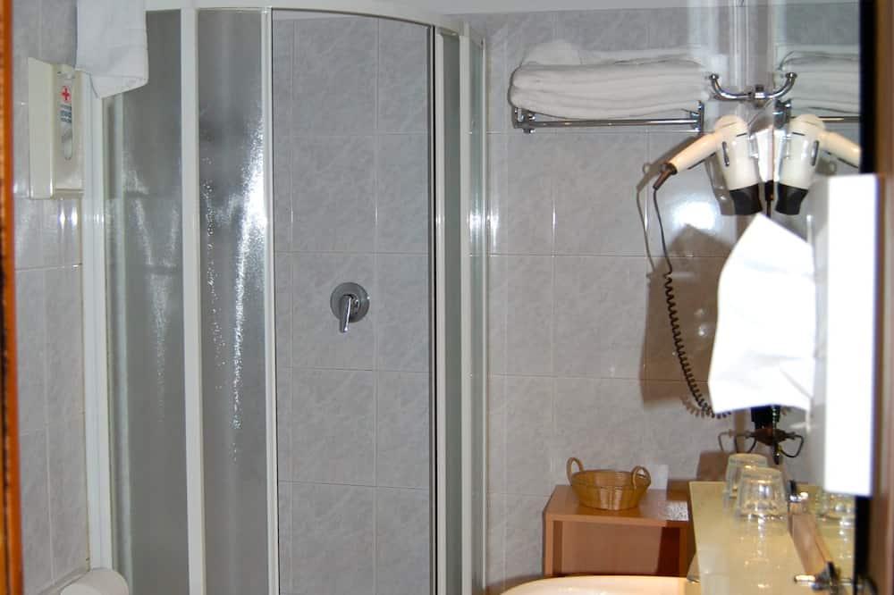Economy Double or Twin Room, 1 Bedroom - Bathroom