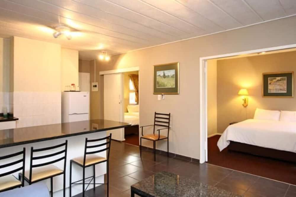 ดีลักซ์อพาร์ทเมนท์, 2 ห้องนอน - พื้นที่นั่งเล่น