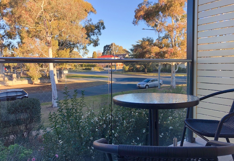 Canberra Short Term and Holiday Accommodation, Griffith, Standard Studio, Balcony