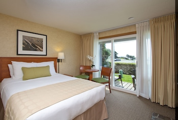 Enter your dates for our Cannon Beach last minute prices