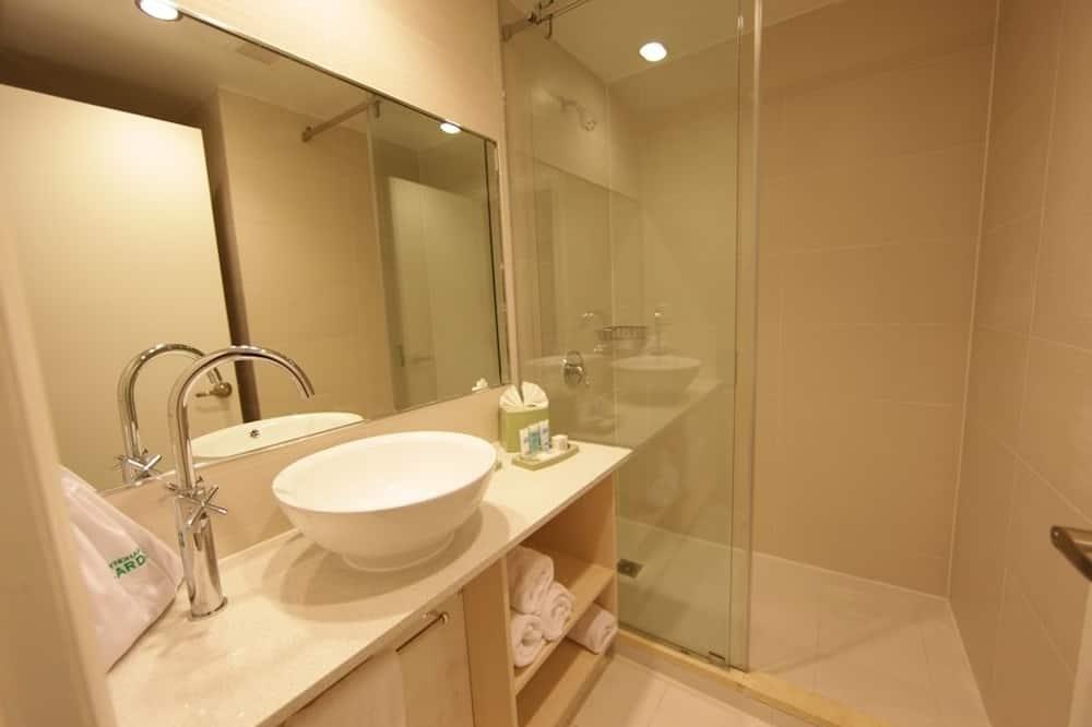 Standardværelse - 1 kingsize-seng - ikke-ryger (Standard Plus) - Badeværelse