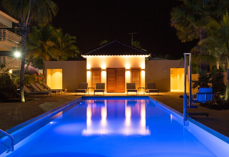Dolphin Suites, Willemstad, Pool