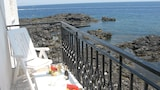 Choose This 2 Star Hotel In Giardini Naxos