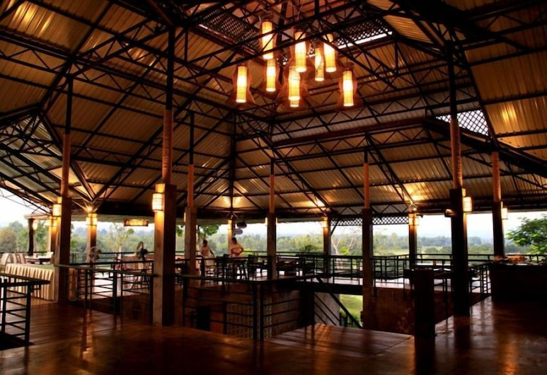 Chiangmai Inthanon Golf and Natural Resort, Doi Lo, Γεύματα σε εξωτερικό χώρο
