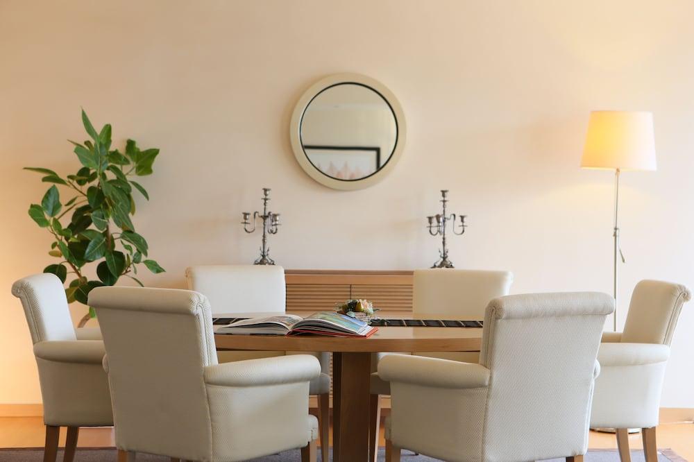 ห้องดีลักซ์สวีท - บริการอาหารในห้องพัก