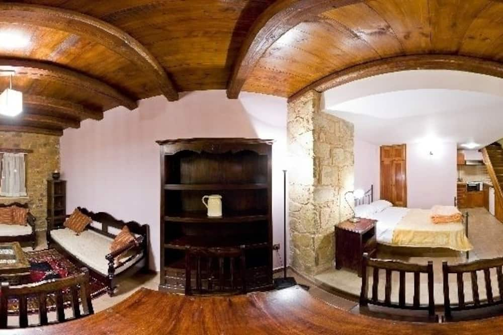 Traditional House, 2 Bedrooms - Living Room