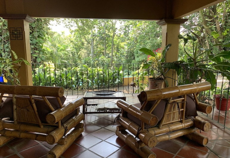 Trapp Family Country Inn, Alajuela, Terasa