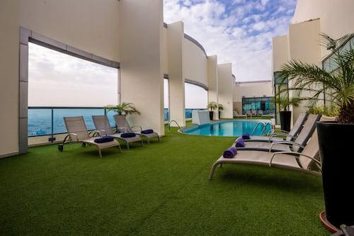Ферст централ отель сьют апарт дубай дома на крите купить недорого