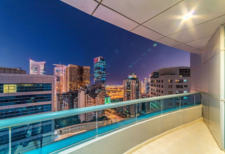 First Central Hotel Suites, Dubai, Balcony