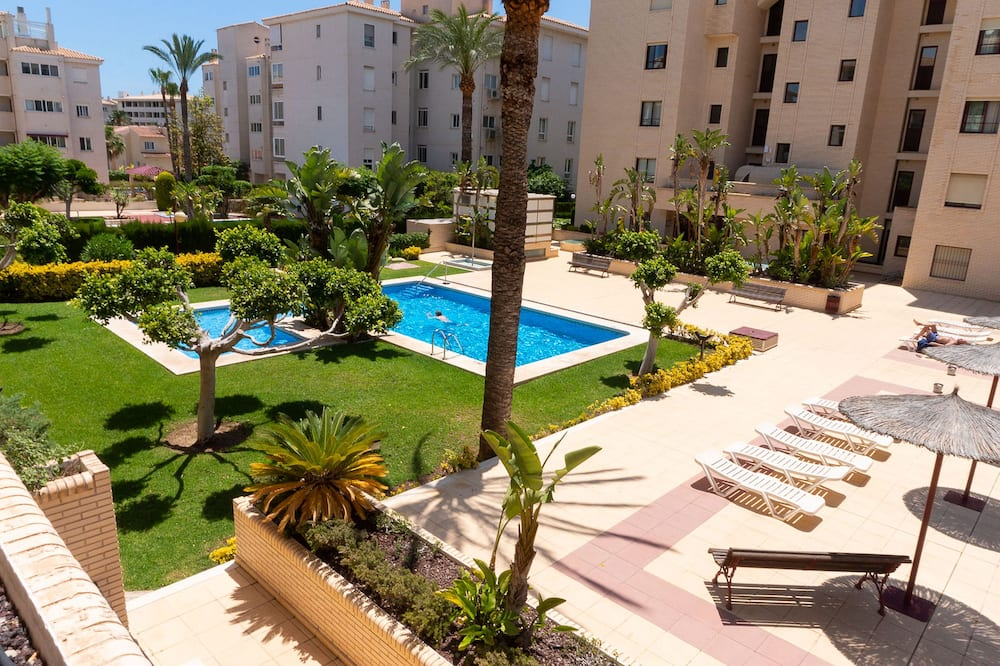Standardlejlighed - 1 soveværelse - balkon - udsigt til pool - Udsigt fra værelset