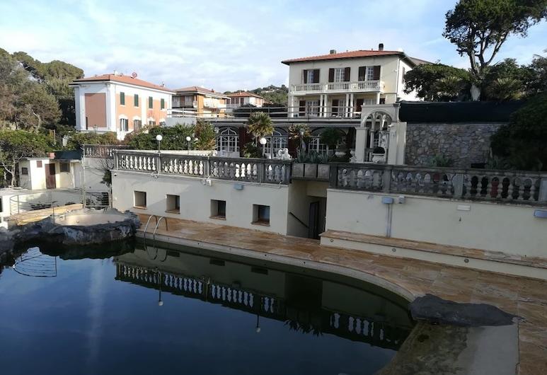 هوتل فيلا مارجريتا, ليفورنو