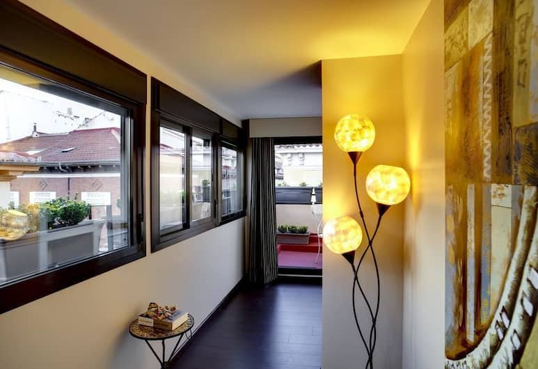 THC Tirso Molina Hostel, Madrid, Junior Suite, terasa, Soba za goste