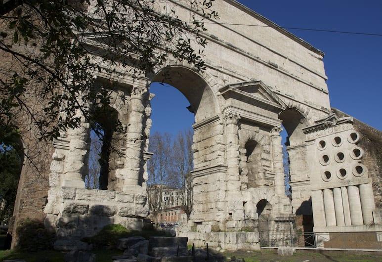 InternoRoma, Roma, Esterni
