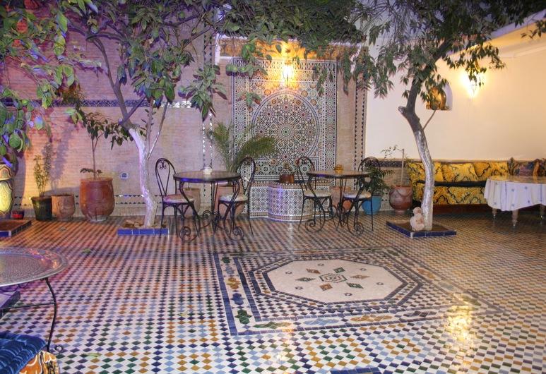 Riad Lalla Fatima, Fez, Entrada interior
