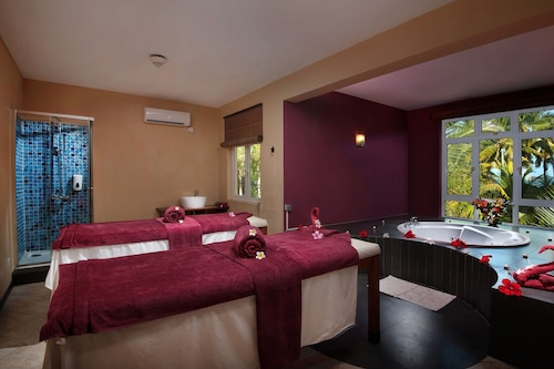Jalsa Beach Hotel Spa Poste Lafayette Info Photos Reviews Book At Hotels Com