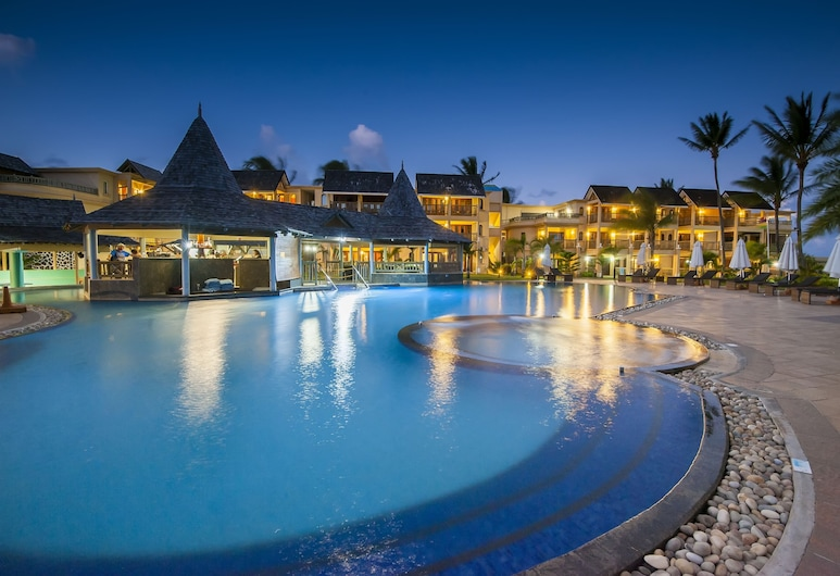 Jalsa Beach Hotel & Spa, Poste Lafayette, Välibassein