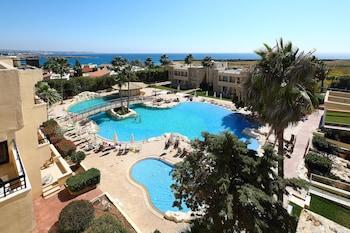 Picture of Panareti Coral Bay Hotel in Pegeia
