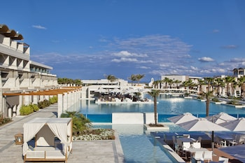 Picture of Avra Imperial Hotel in Platanias
