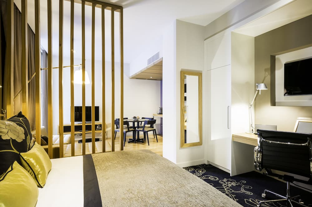 Master Suite with Club Lounge Access - Vendégszoba