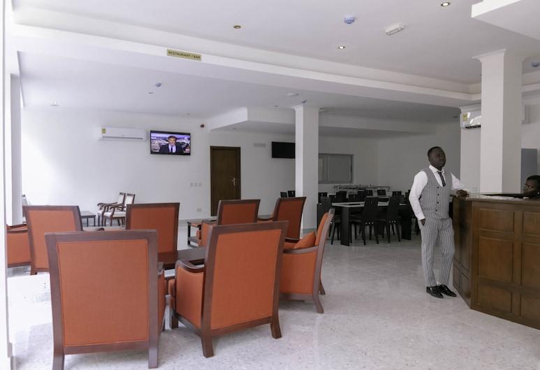 Monarch Hotel, Accra, Lobby