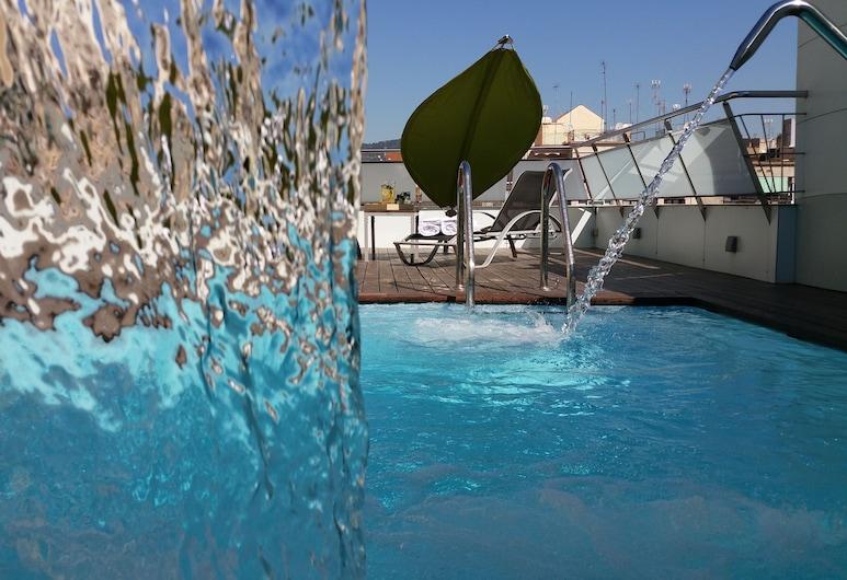 Ako Suite, Barcelona, Pool