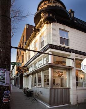 Picture of Ballard Inn in Seattle
