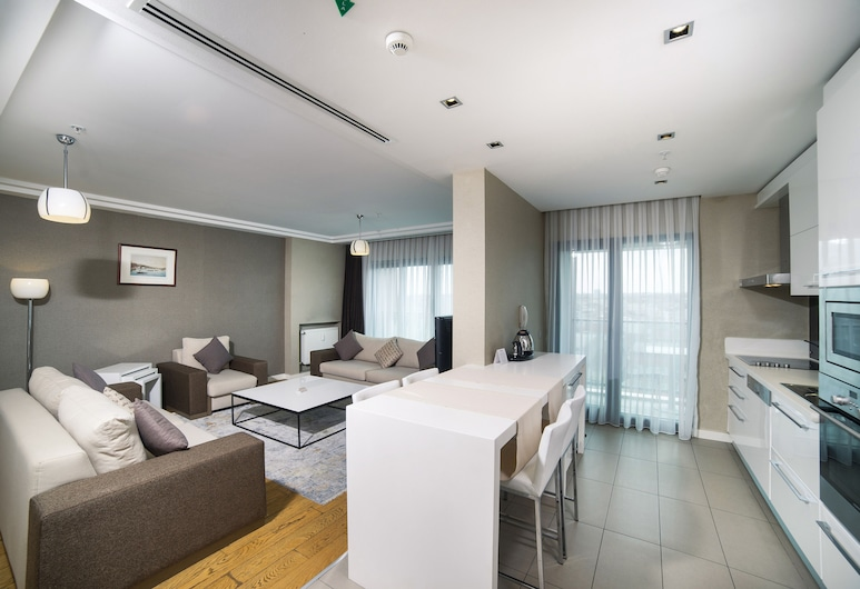 Radisson Residences Avrupa TEM Istanbul, Istanbul, Apartment, 3 Bedrooms, Living Room