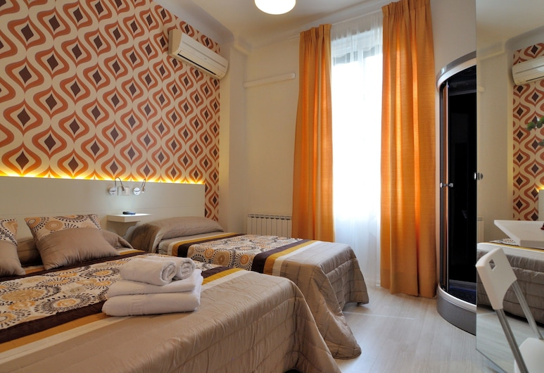 Hostal Far Home Plaza Mayor, Madrid, Camera doppia, bagno condiviso (private shower in the room), Camera
