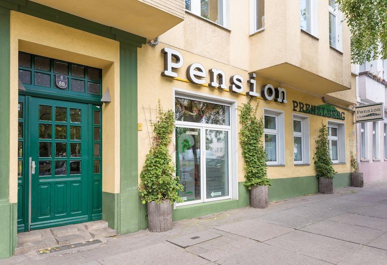 ペンション プレンツラルベルク, ベルリン, ホテルのフロント