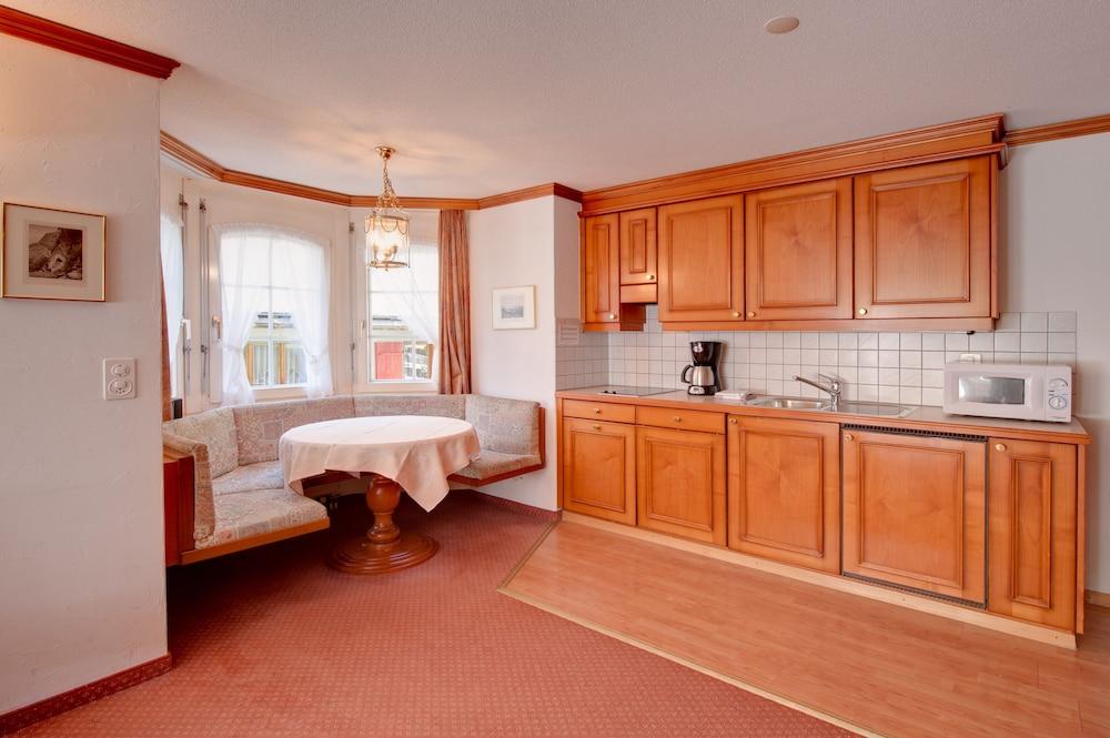 Hotel Apartement La Perle, Zermatt, Standard Apartment, Balcony, Mountain  View, Guest