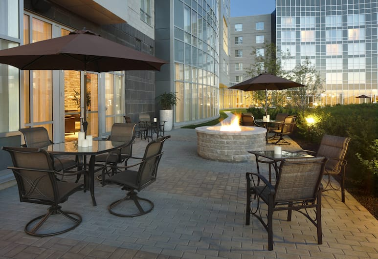 Residence Inn by Marriott Calgary Airport, Calgary, Terasa/trijem
