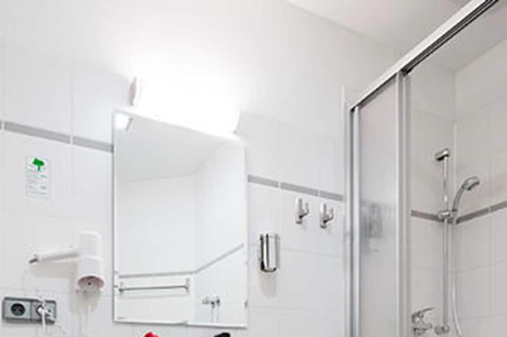家庭公寓, 2 间卧室, 厨房 - 浴室