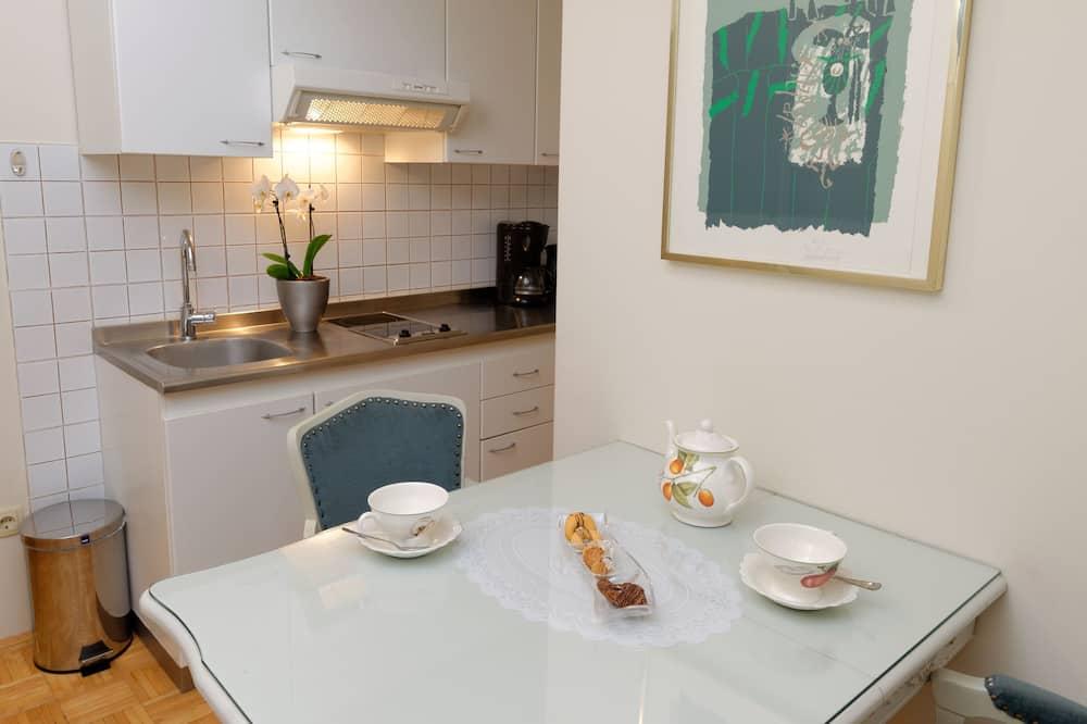 appartement voor 3 personen breakfast excluded - Eetruimte in kamer