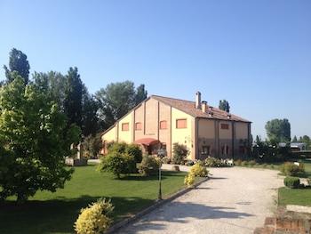 Introduce las fechas para ver los descuentos de hoteles en Ferrara