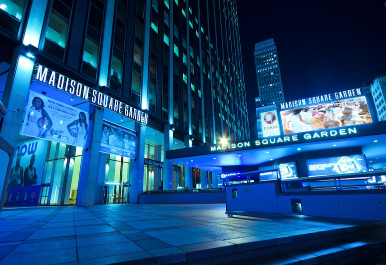Hyatt Place New York Midtown South, New York, Theater Show
