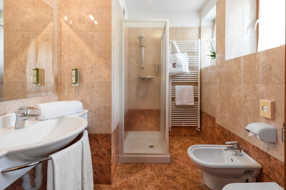 Двухместный номер базового типа с 1 двуспальной кроватью (Sole) - Ванная комната