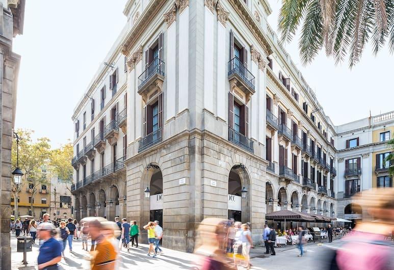 호텔 도 플라카 레이알, 바르셀로나, 호텔 정면