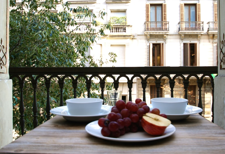 Short Stay Group Paseo de Gracia Serviced Apartments, Barcelona, Apartment, 3 Bedrooms (5 Adults), Balcony