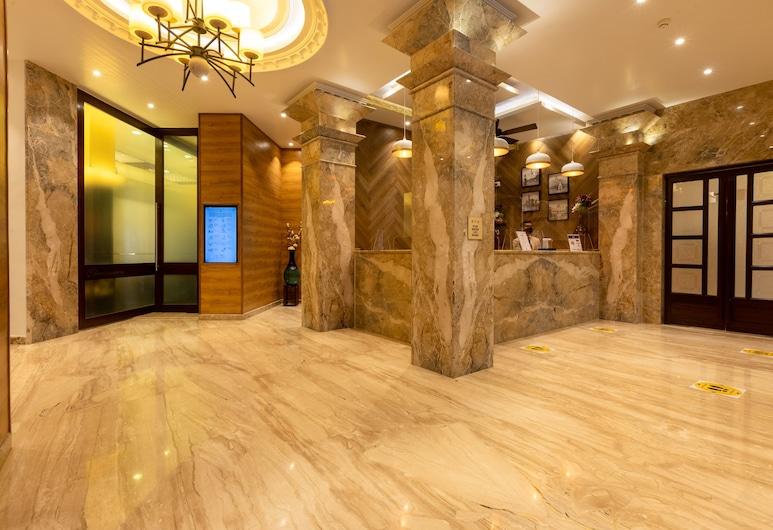 Grand Hotel, Mumbai, Lobby