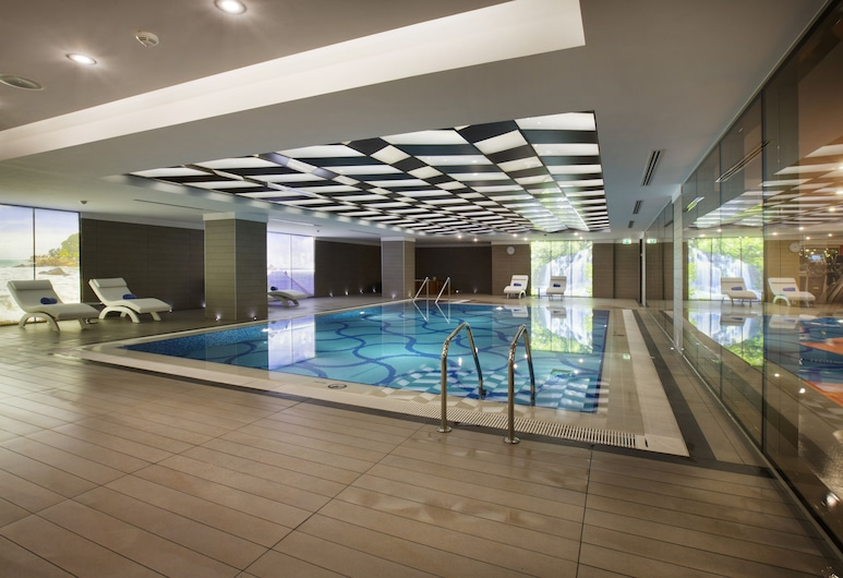 DoubleTree by Hilton Istanbul Avcilar, Istanbul, Indoor Pool