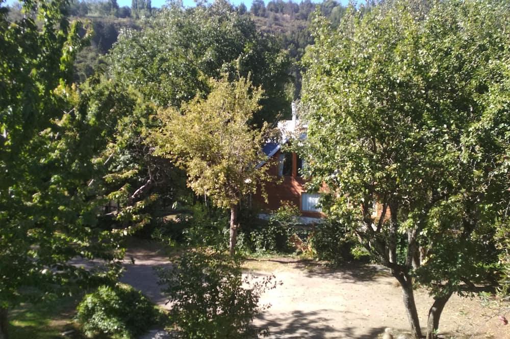 Quang cảnh sân vườn
