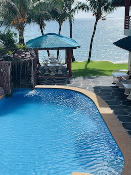 Picture of BADLADZ Beach and Dive Resort in Puerto Galera