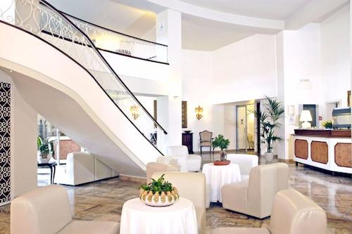 Palace/