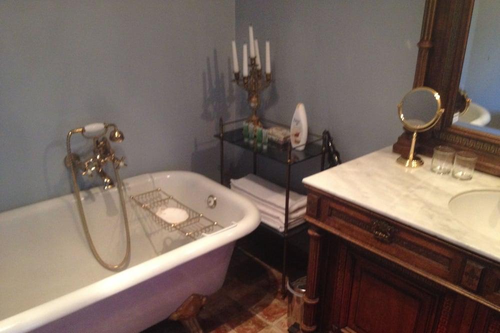 Deluxe-Doppel- oder -Zweibettzimmer, Gartenblick - Badezimmer