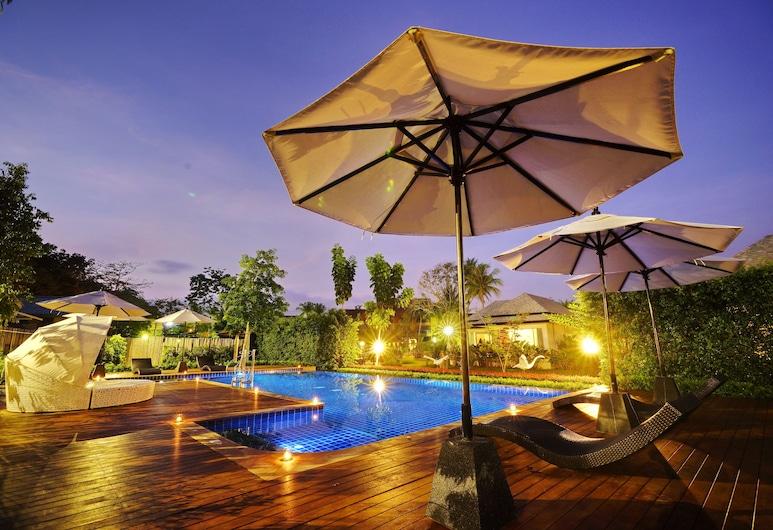 ペレニアル リゾート, Sa Khu, 屋外プール