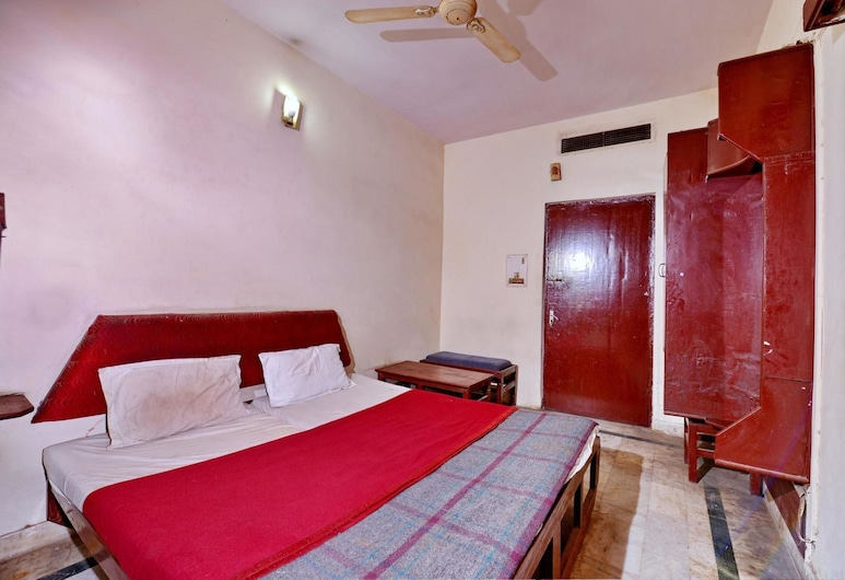 Hotel Aditya Palace, Agra, Deluxe room Non A/C, Guest Room