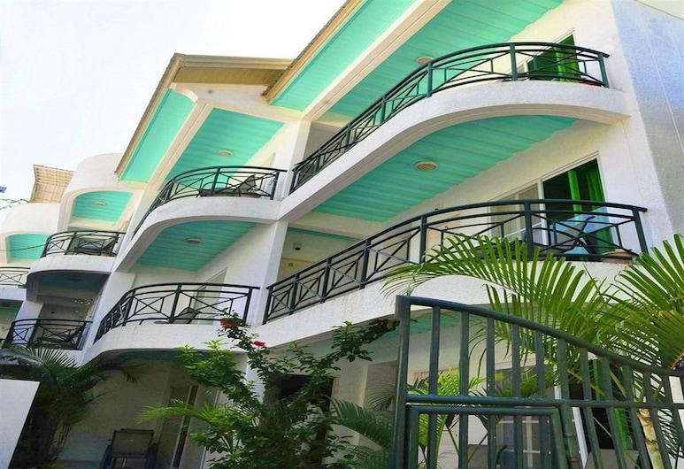록슨 아파트먼트, Boracay Island
