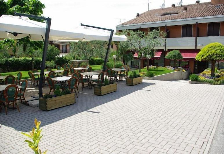 Hotel Andreis, Cavaion Veronese, Bairro em que se situa o estabelecimento