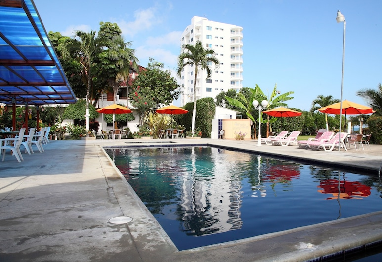 Hotel Puerto Ballesta, Atacames, Piscina al aire libre