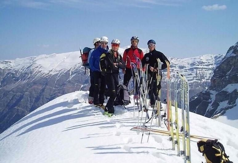Hotel Thalia Rooms Guest House, Καλαμπάκα, Αθλήματα χιονιού και σκι